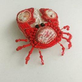 Red crab brooch