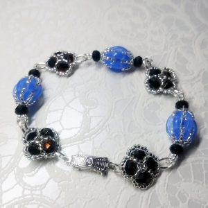 Flowers and balls bracelet